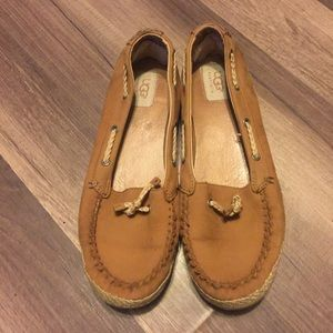 UGG Women's size 9 slip on shoes Loafers
